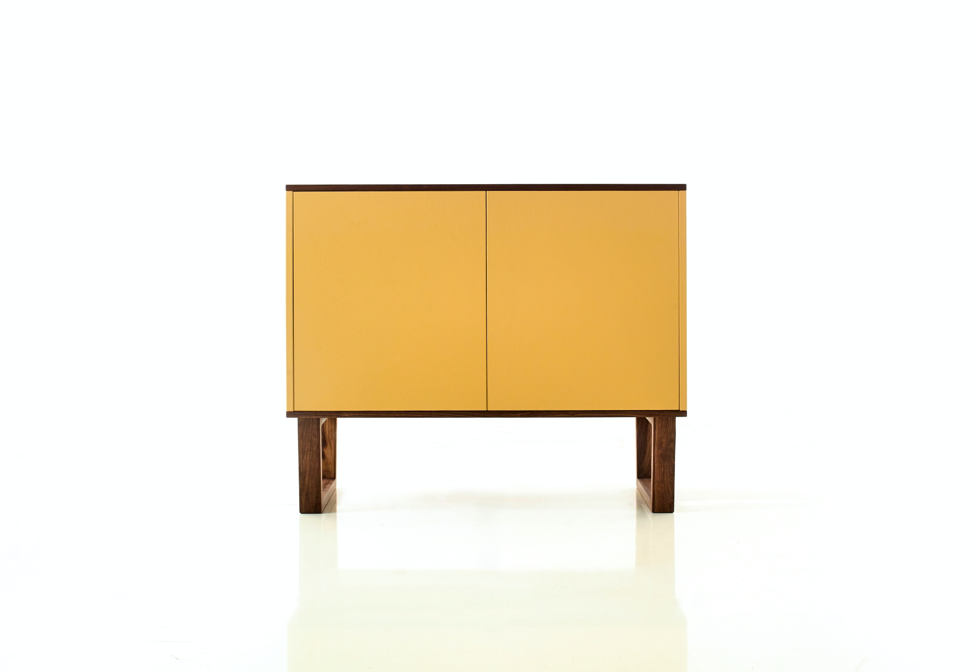 leather_cabinet_22