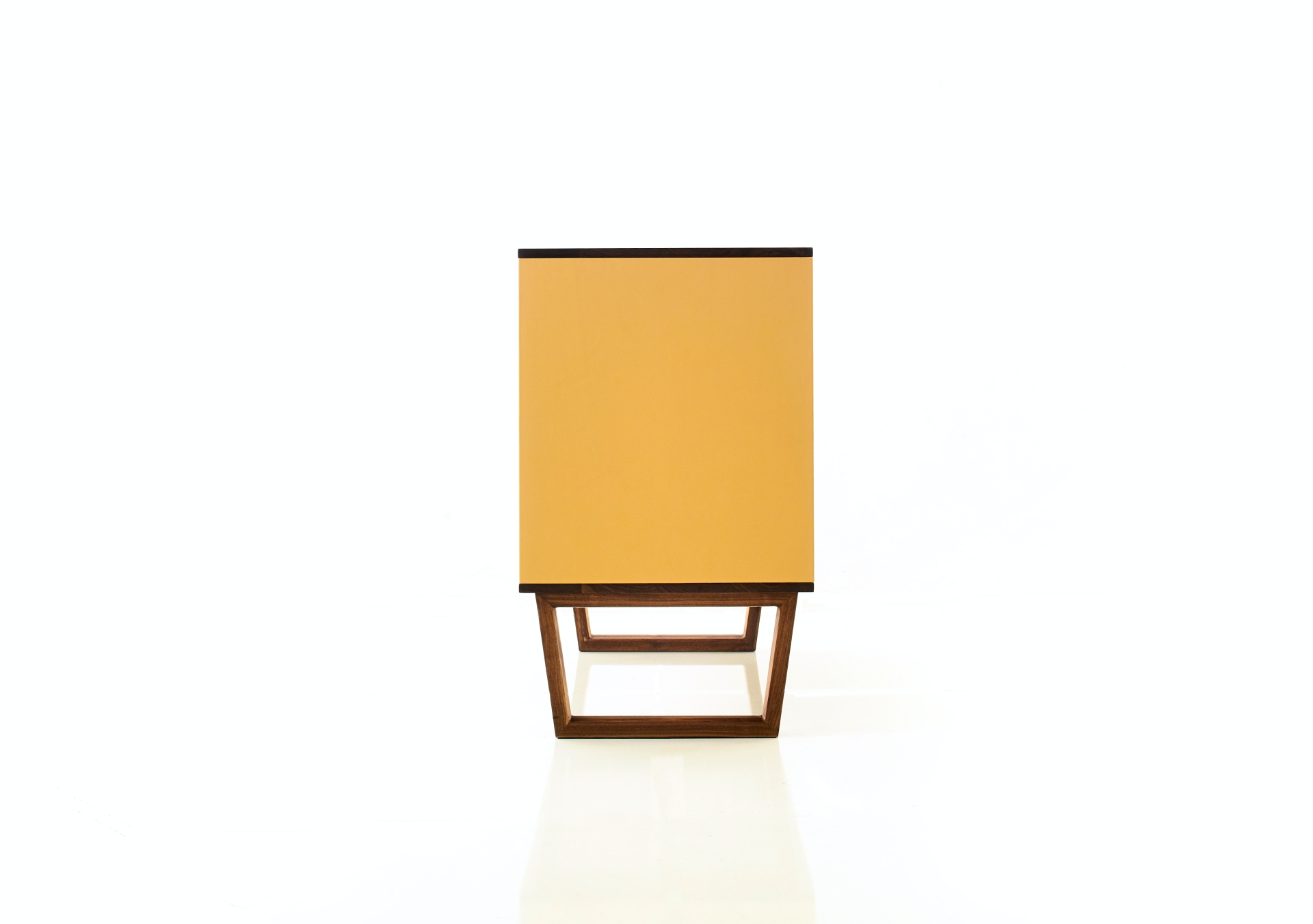 leather_cabinet_23
