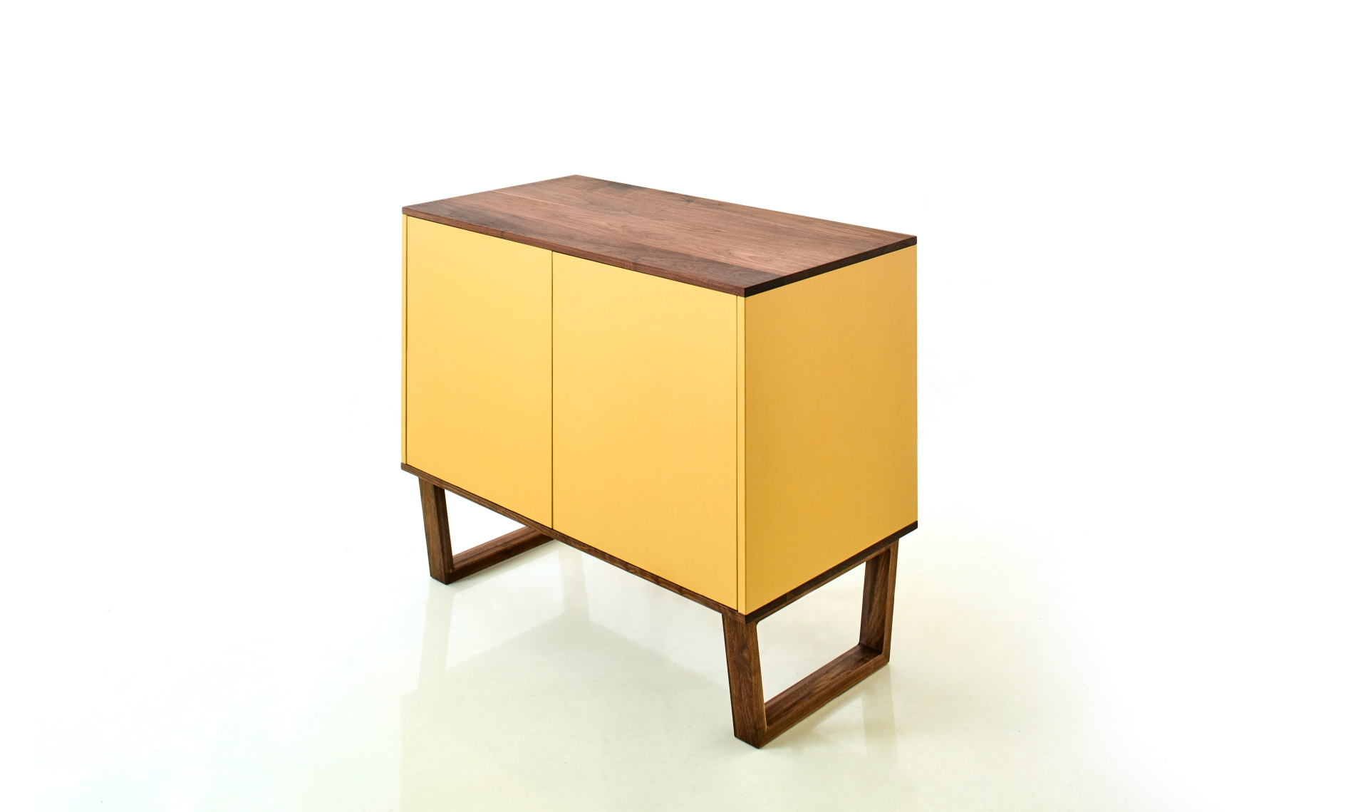leather_cabinet_25